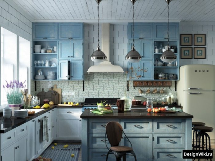Голубая кухня в стиле кантри-прованс