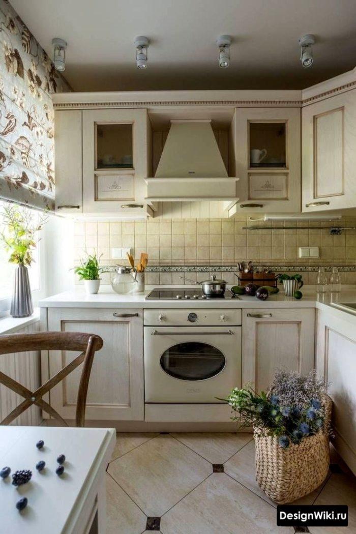Естественное освещение кухни в стиле прованс в хрущевке