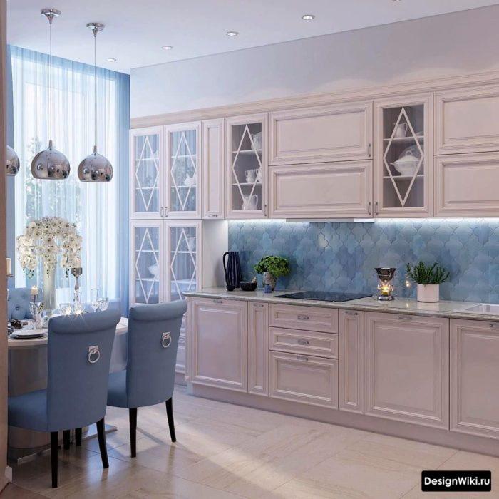Красивые подвесные лампы в современной кухне в стиле прованс