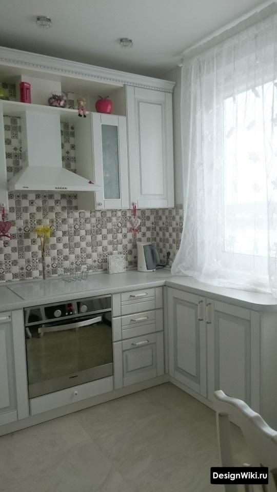 Кухня до потолка в стиле прованс в квартире