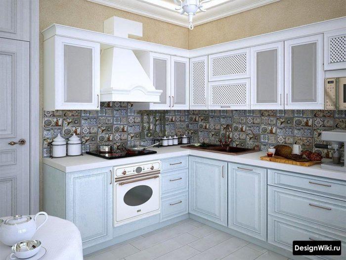 Небольшая угловая кухня в стиле прованс