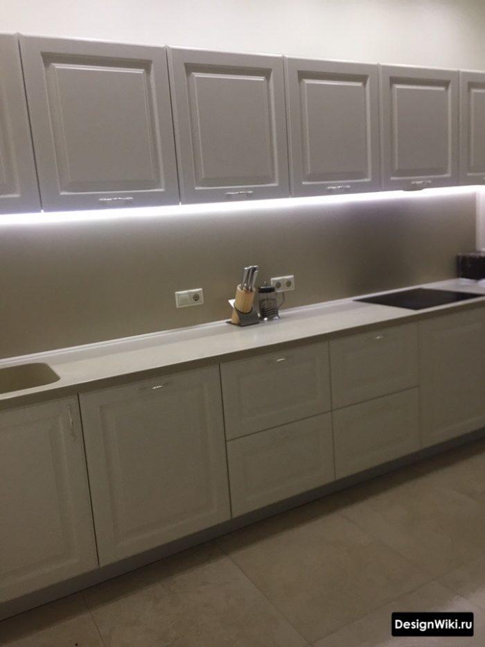 Освещение на кухне в стиле неоклассика