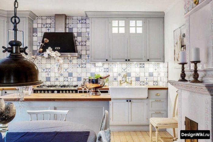 Плитка пэчворк в интерьере кухни в стиле прованс