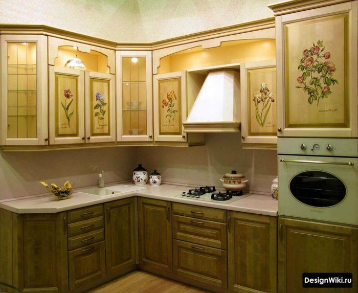 Рисунки на мебельных фасадах кухни
