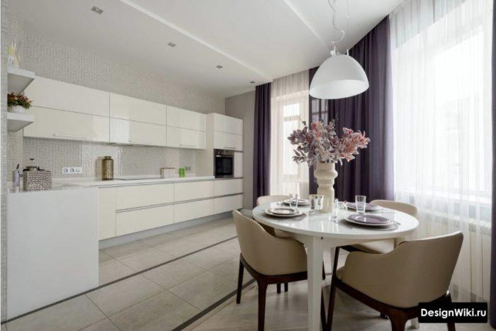 Тёмно-серые современные шторы для белой кухни