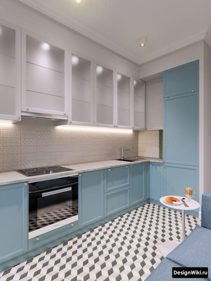 Угловая бело-голубая кухня в стиле неоклассика