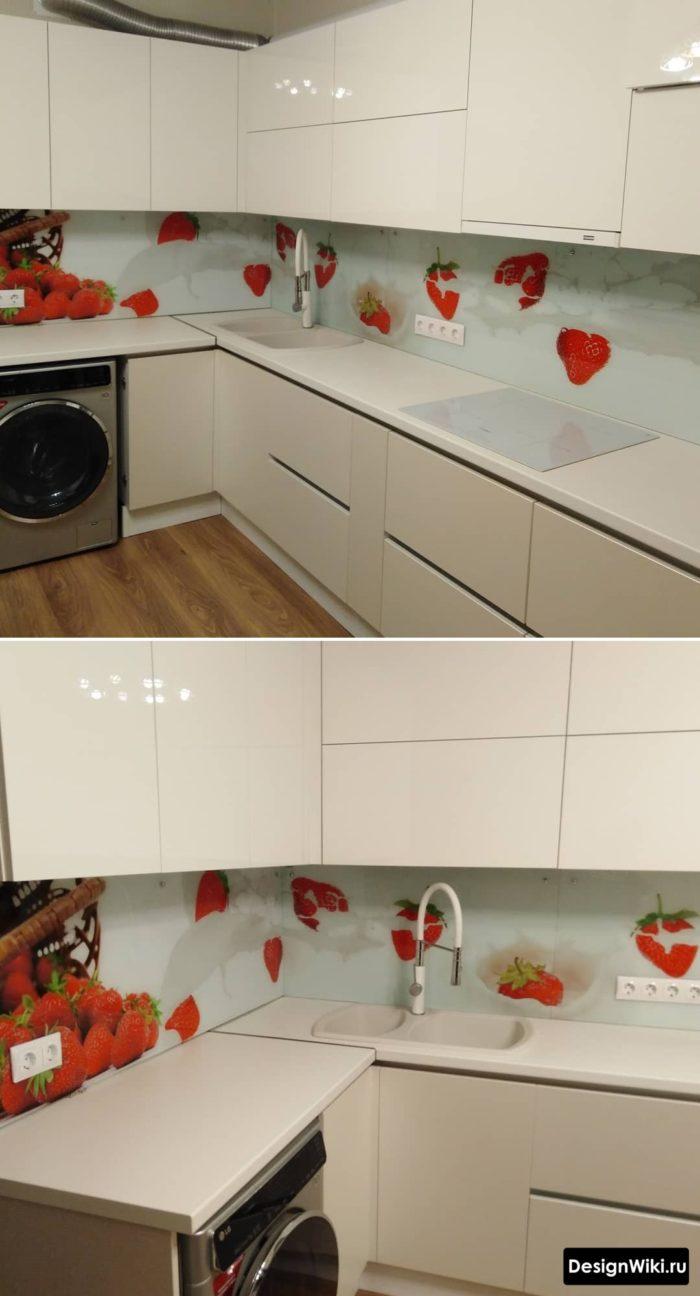 Белая глянцевая угловая кухня со стиральной машинкой