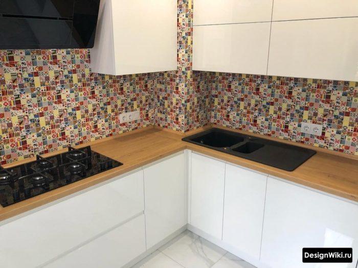 Дизайн угловой кухни с выступом