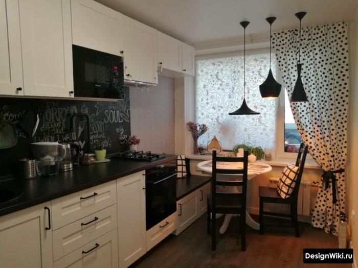 Дизайн штор на кухне с балконной дверью