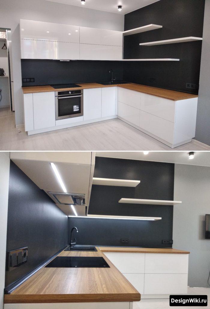 Современная угловая кухня с открытыми полками