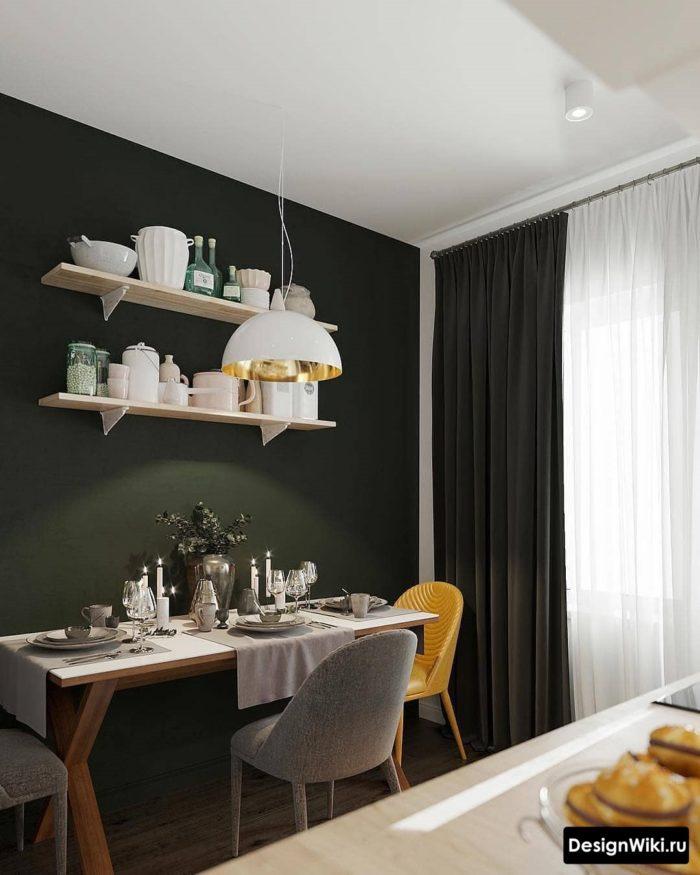 Темно-зеленые шторы на кухне с балконом с одной стороны
