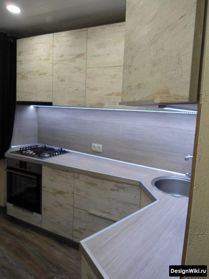 кухня 6 кв метров с холодильником