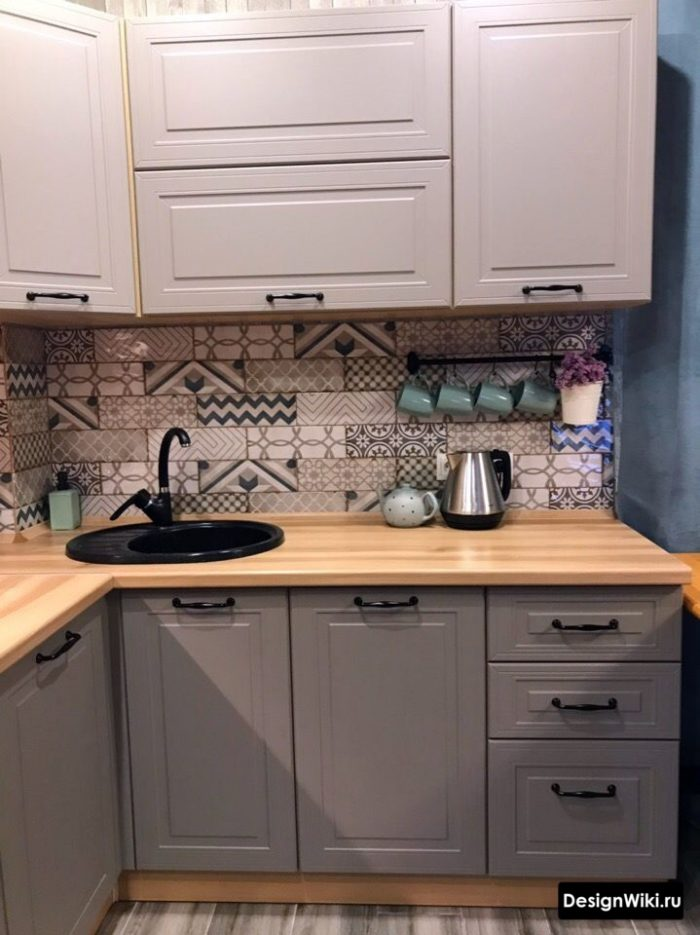 планировка кухни 6 кв м с холодильником