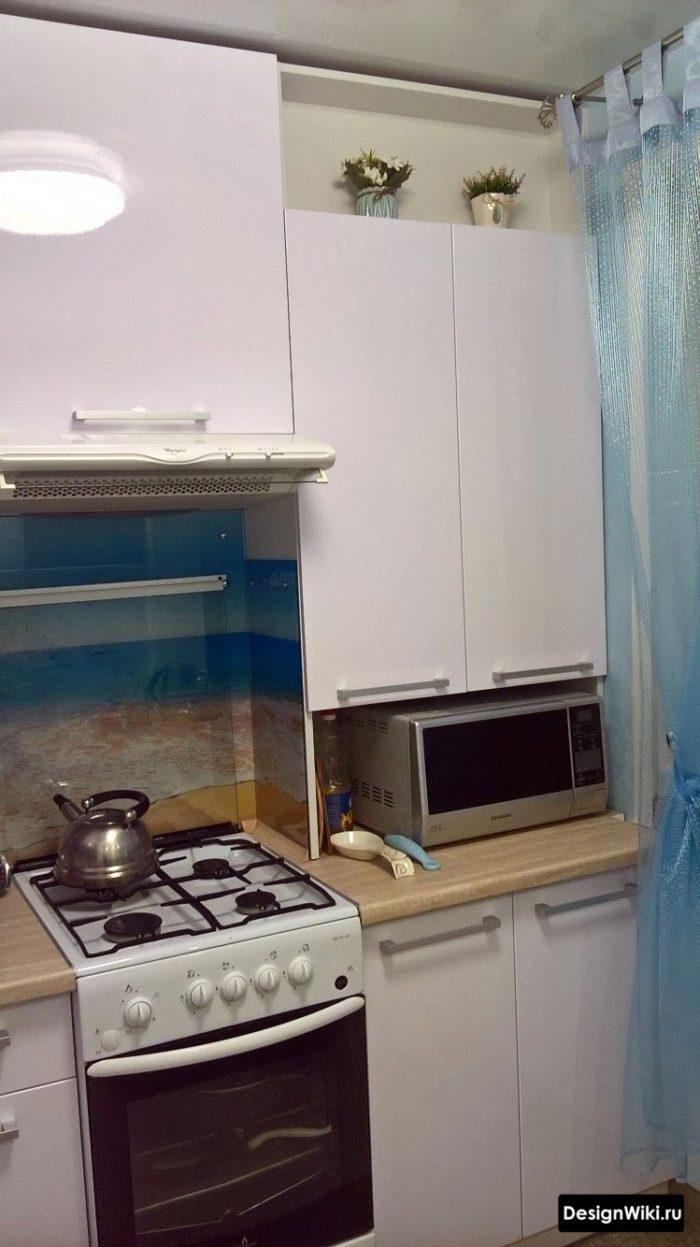 планировка кухни 6 метров с холодильником