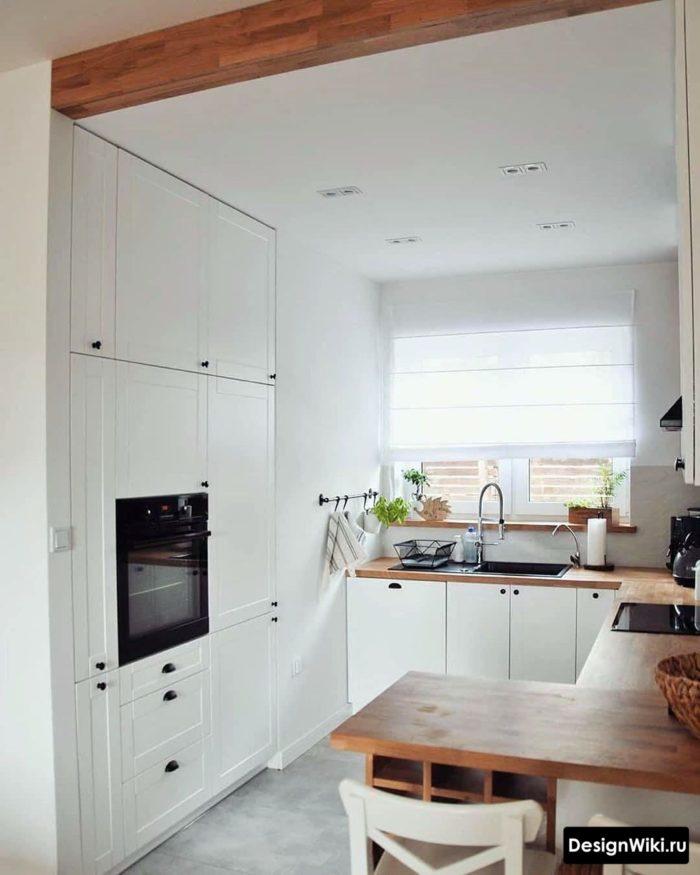 п образная кухня с окном