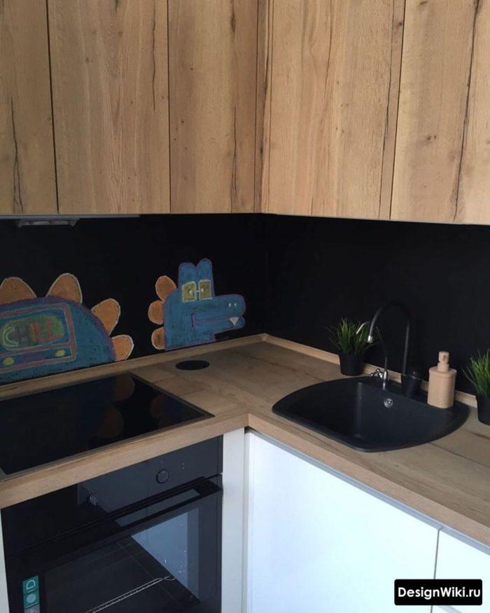угловая вытяжка на кухню