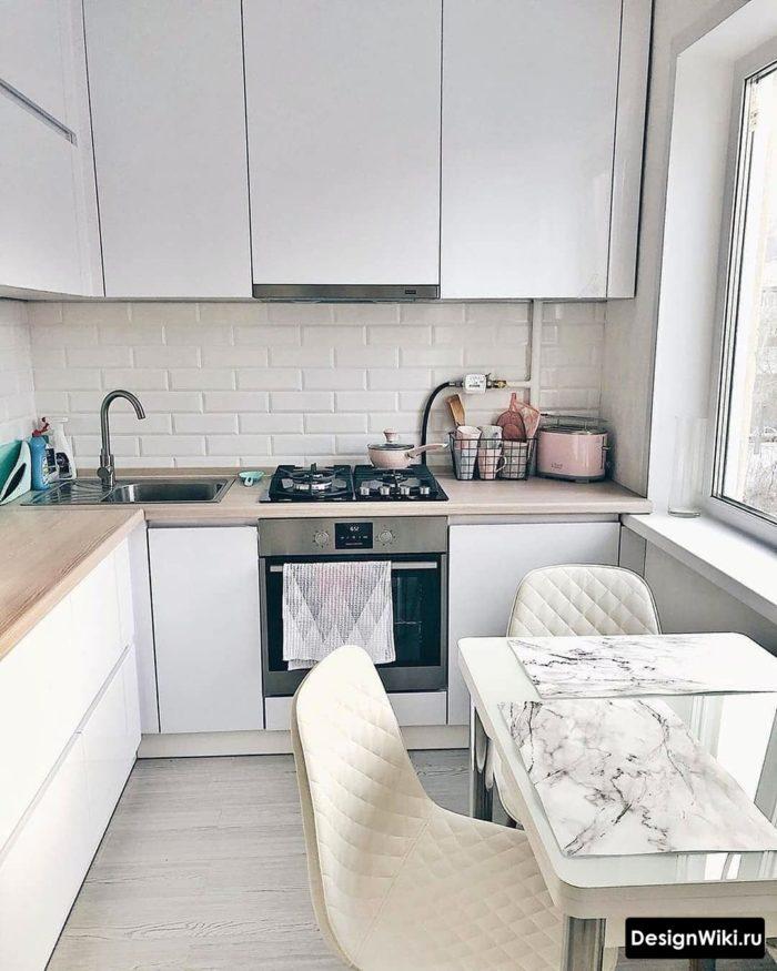 холодильник на кухне в хрущевке 6