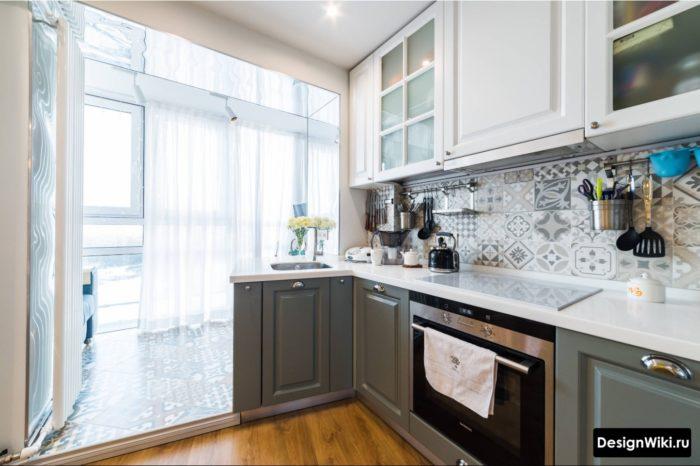 кухня 9 м2 планировка и дизайн с балконом