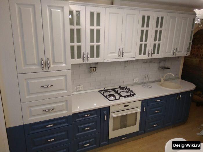 бело-синяя кухня в стиле современная классика