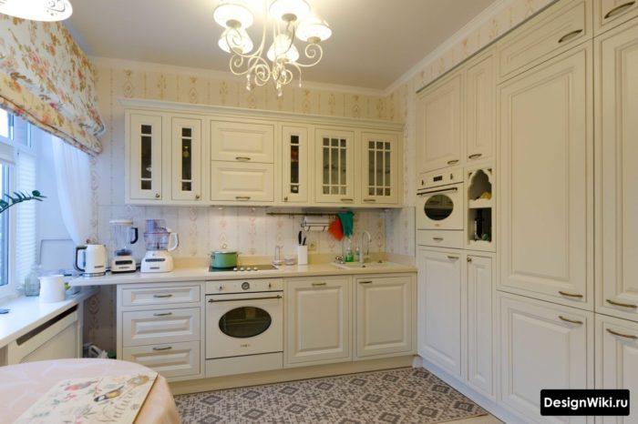 обои и шторы для кухни классика