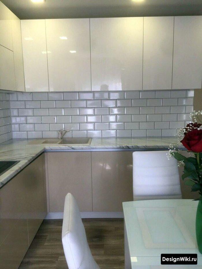 дизайн кухни с диваном 12 кв м