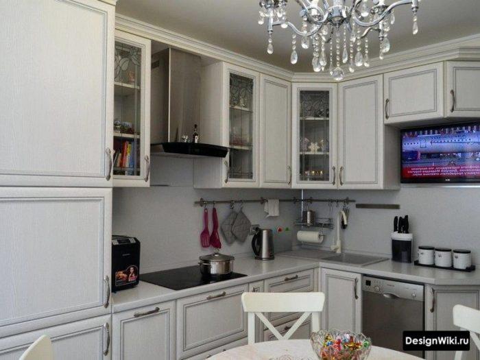 дизайн кухни 10м2 с в классическом стиле