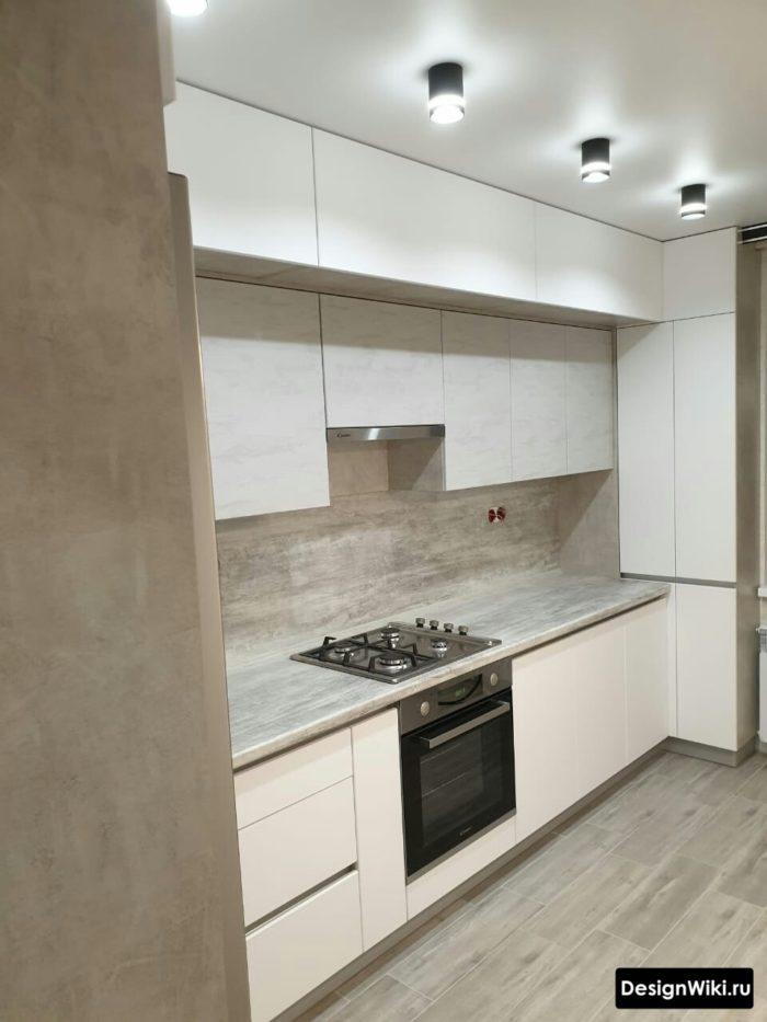 дизайн кухни 10 кв м встроенной белой