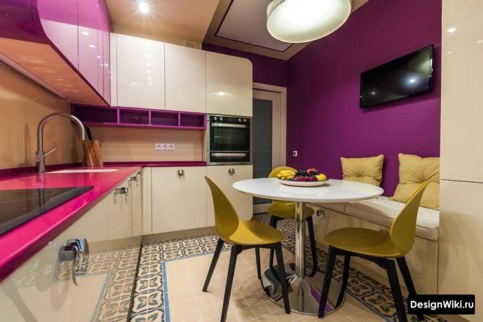 дизайн кухни 12 квадратных метров с диваном-лавкой