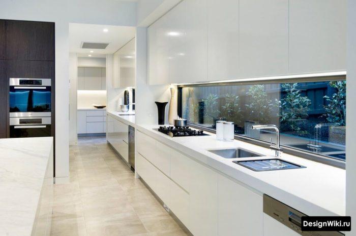 кухня в стиле хайтек фартук-окно