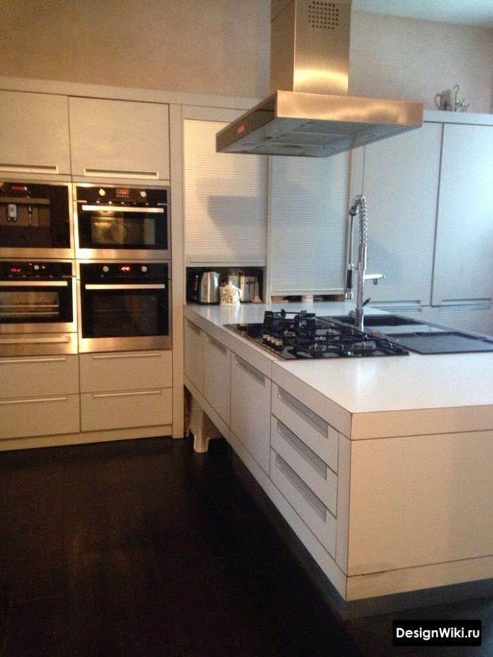 кухня в стиле хай тек дизайн