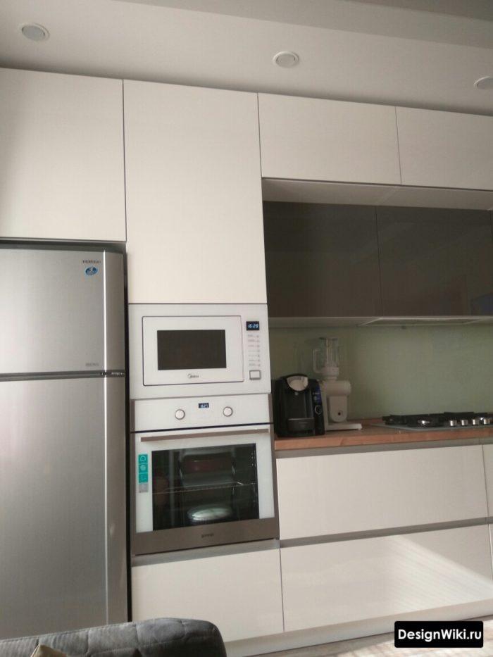 кухня с пеналом на 10 кв м
