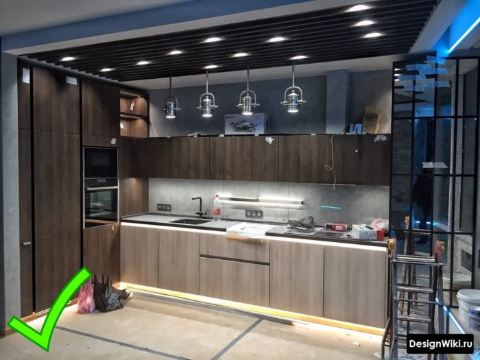 кухня хай тек с элементами лофта