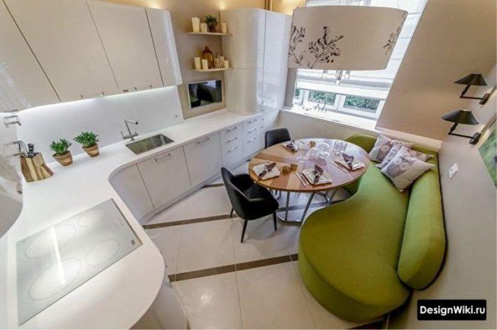 кухня 10 квадратов с диваном