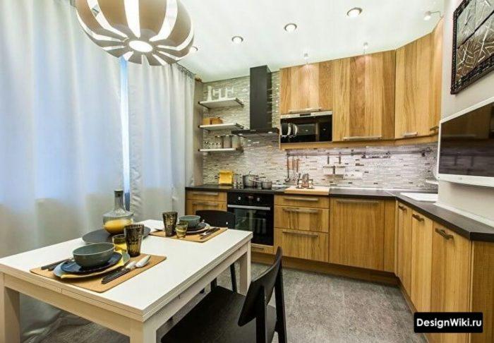 кухня 12 кв метров дизайн квадратная со шторами