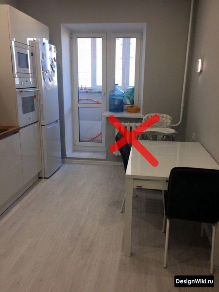 оформление окна на кухне 12 метров