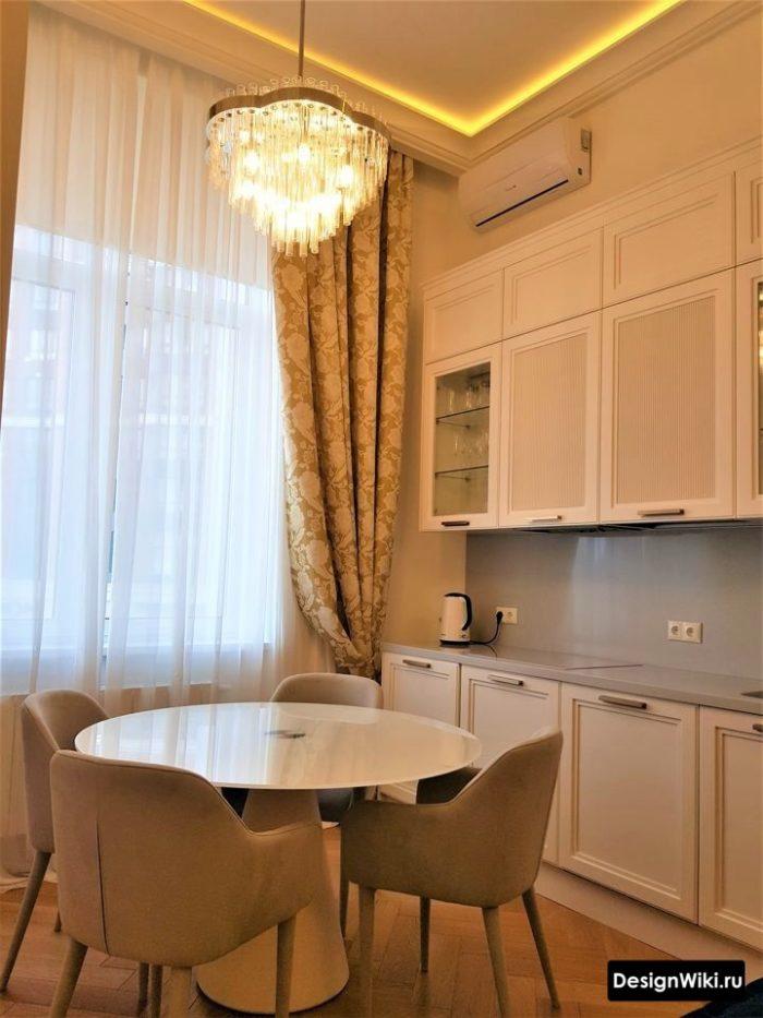 планировка кухни 12 кв м квадратная с диваном