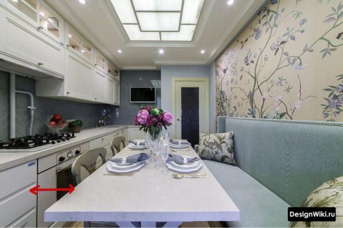 прямоугольная кухня в квартире 10 кв м с диваном