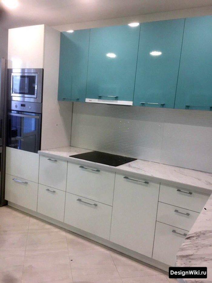 угловая кухня 12 кв м дизайн с холодильником
