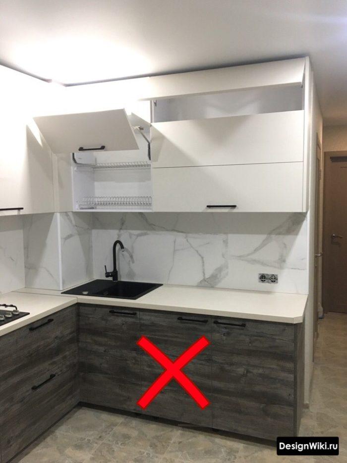 маленькая кухня в серых тонах