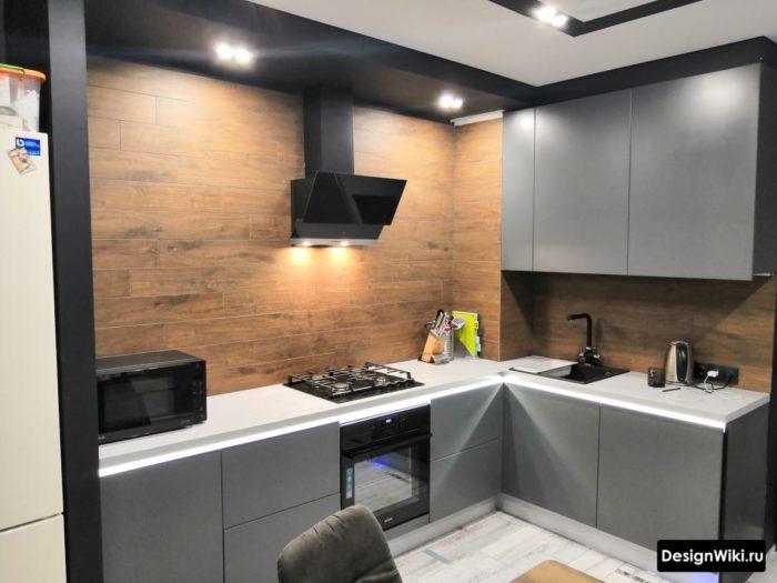 светло серая кухня в интерьере