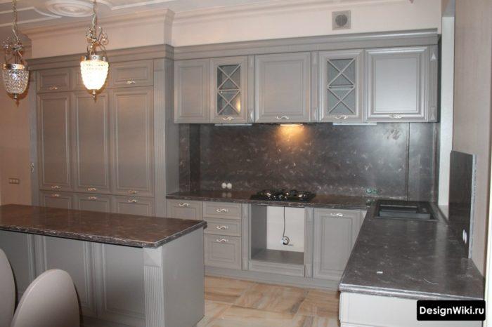 серые стены на кухне сочетание цветов